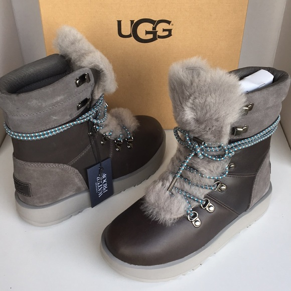 5547a45eac4 ❤️🔥HOT DEAL🔥New Ugg Viki waterproof boots sz 5 NWT